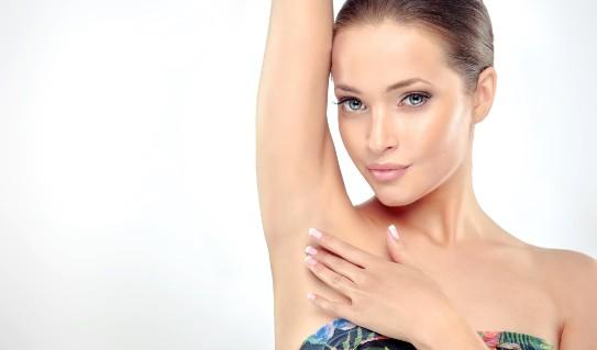 Applicazione del deodorante